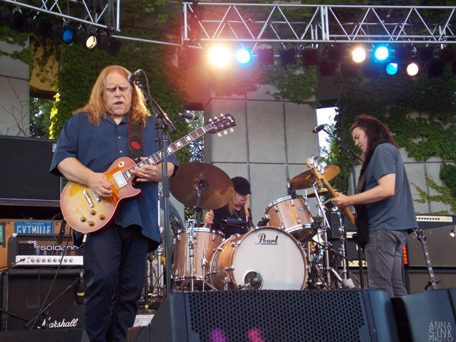 Mule Crossing: Warren Haynes, Matt Abts and Jorgen Carlsson of Gov't Mule at Meijer Gardens. (Photo/Anna Sink)