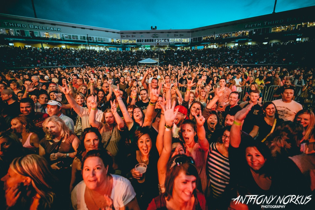 Ga Ga for Goo Goo and Daughtry: Fifth Third Ballpark's throng of thousands on Wednesday. (Photo/Anthony Norkus)
