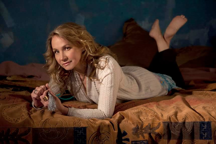 Joan Osborne Touring With The Holmes Brothers