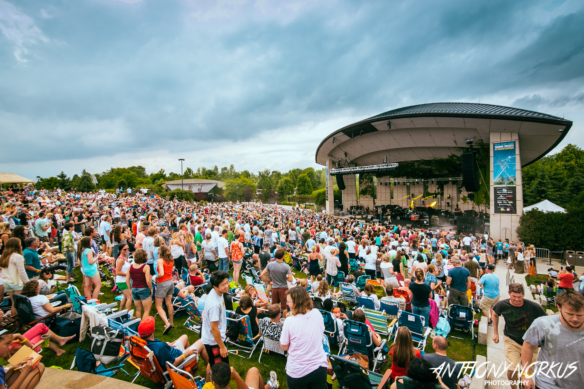 Meijer Gardens Amphitheater To Replace Six Year Old Concession Building Add Restrooms Bars