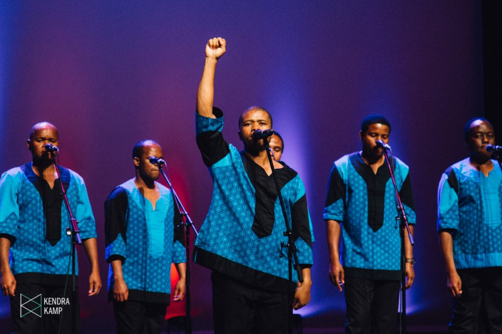 Ladysmith Black Mambazo, Young the Giant, Twin Peaks, Frontier Ruckus, Less is More, Heaters: Weekend Photo Galleries, Show Recaps