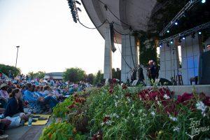 On Their Feet: Staples had the Meijer Gardens crowd moving. (Photo/Tori Thomas)