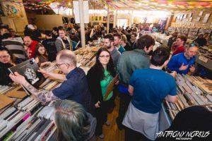 Record Crowds: Vertigo Music featured specials and live music. (Photo/Anthony Norkus)