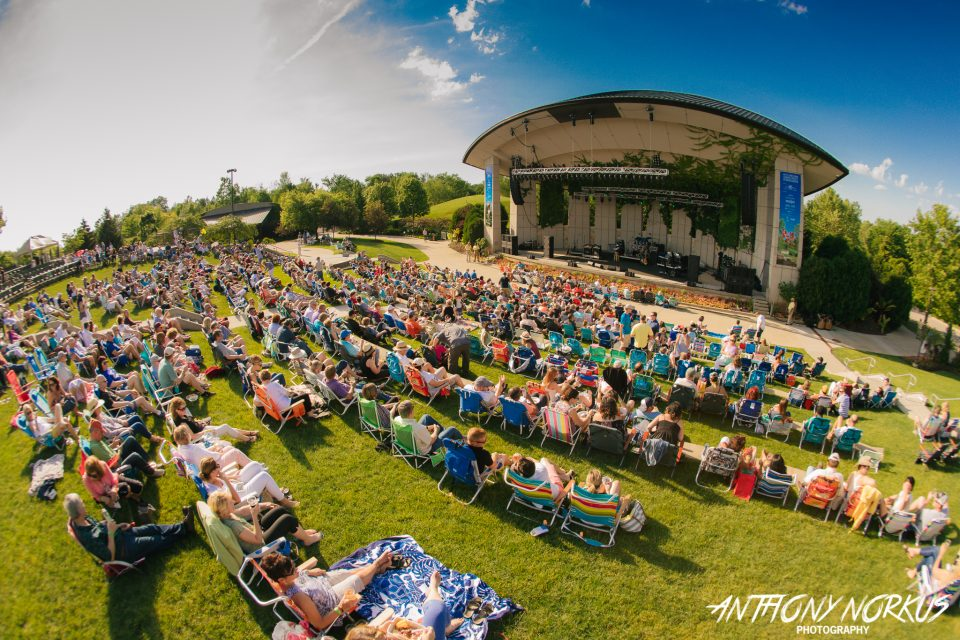 Sunshine Small Crowd Nostalgia Mark First Meijer Gardens Show With Billy Ocean Starship