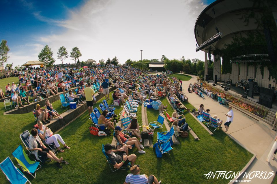 Sunshine Small Crowd Nostalgia Mark First Meijer Gardens Show With Billy Ocean Starship