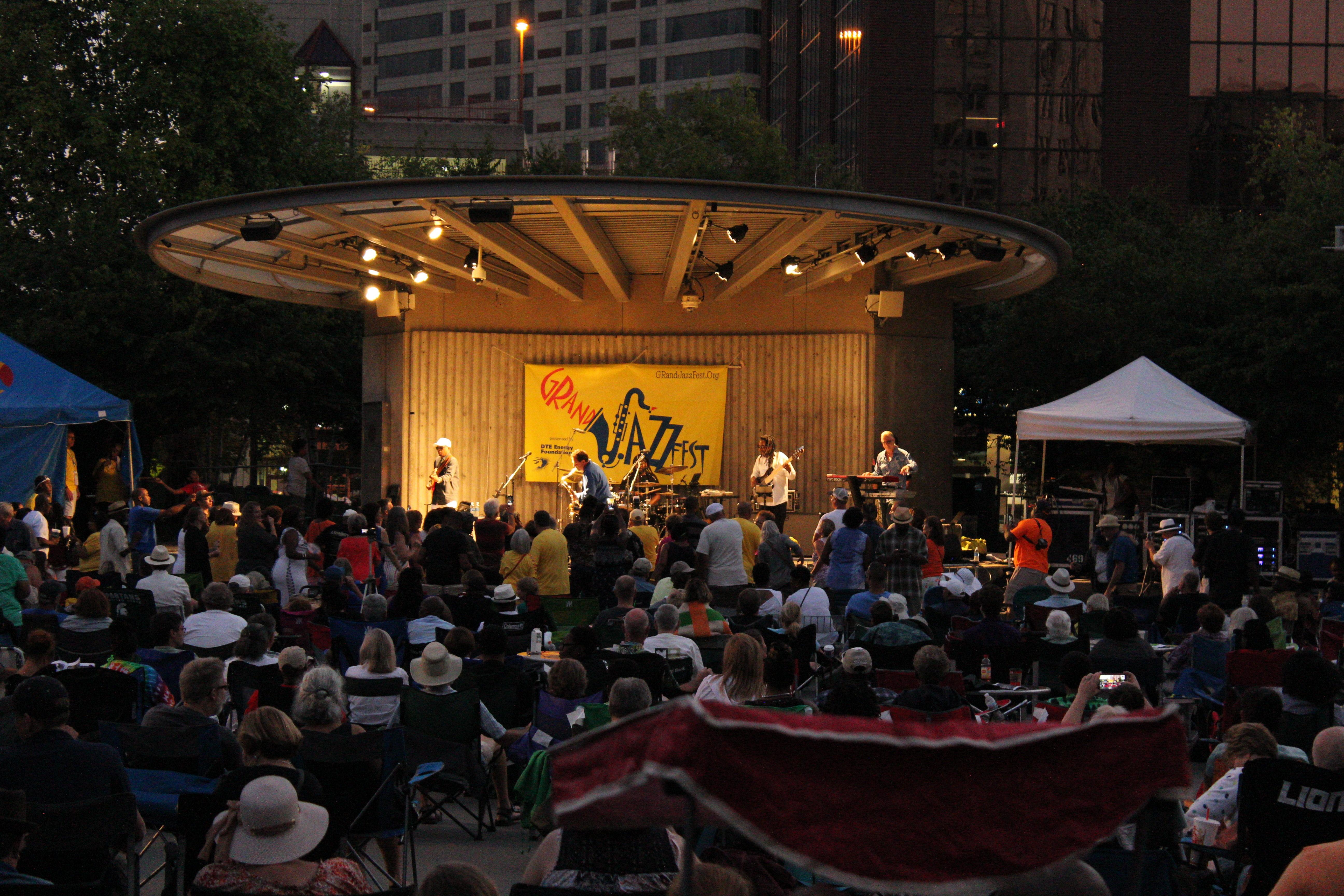 Euge Groove, Lin Roundtree To Heat Up 2018 GRandJazzFest
