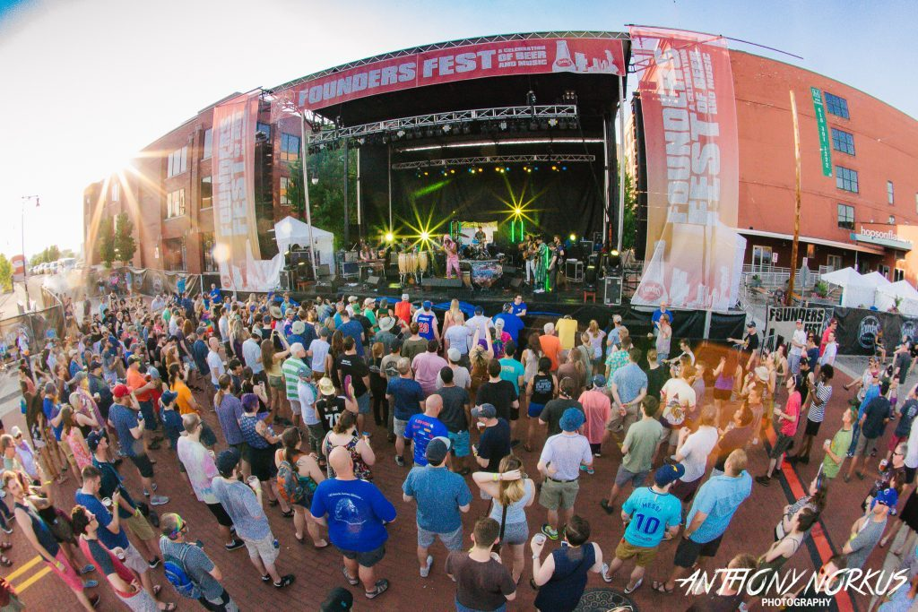 Founders Fest heats up Grand Rapids streets with Joe Russo's Almost Dead, sun, beer