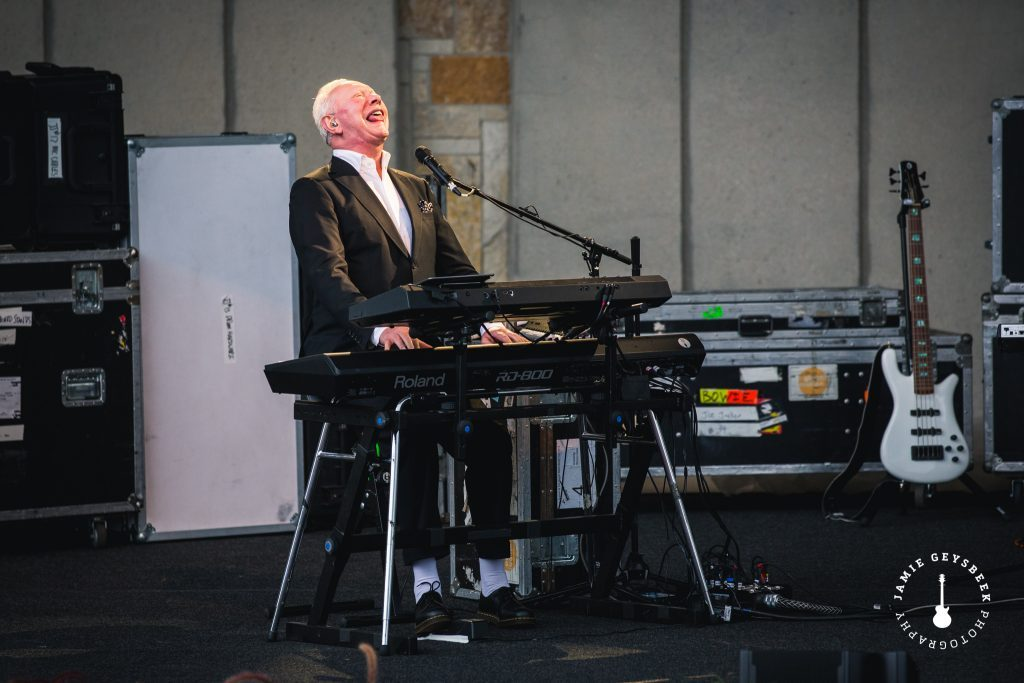 Joe Jackson's Grand Rapids debut sees him 'Steppin' Out' with career-spanning gems