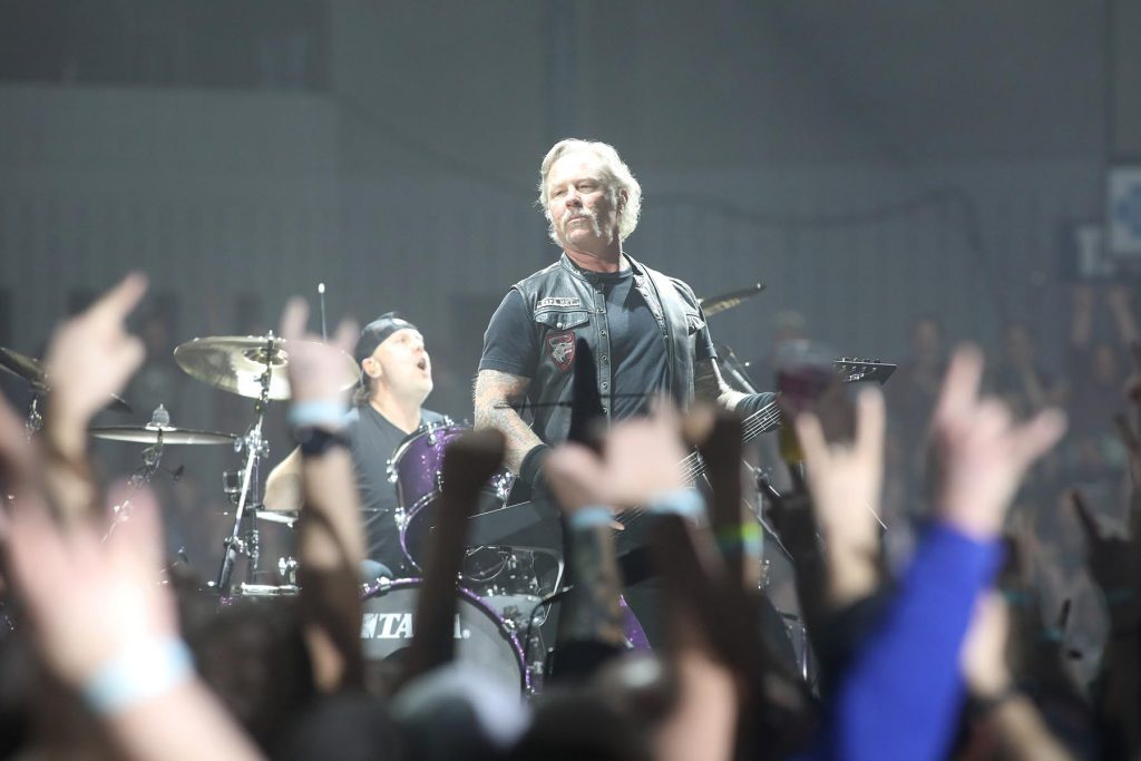 Metallica remains master of metal in artful Grand Rapids