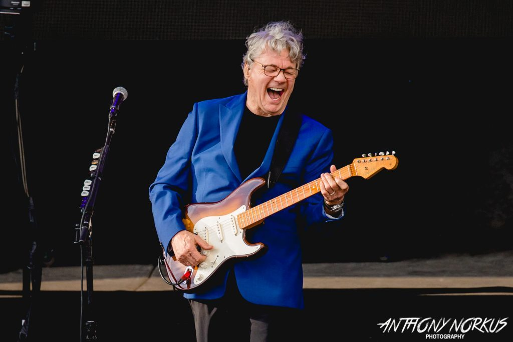 Steve Miller, Marty Stuart add 'hot sauce' to classic rock and country throwdown
