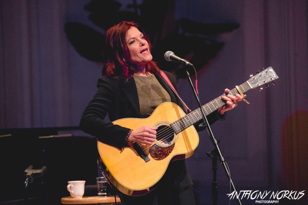 Rosanne Cash creates beautiful Americana 'community' in Grand Rapids tour stop